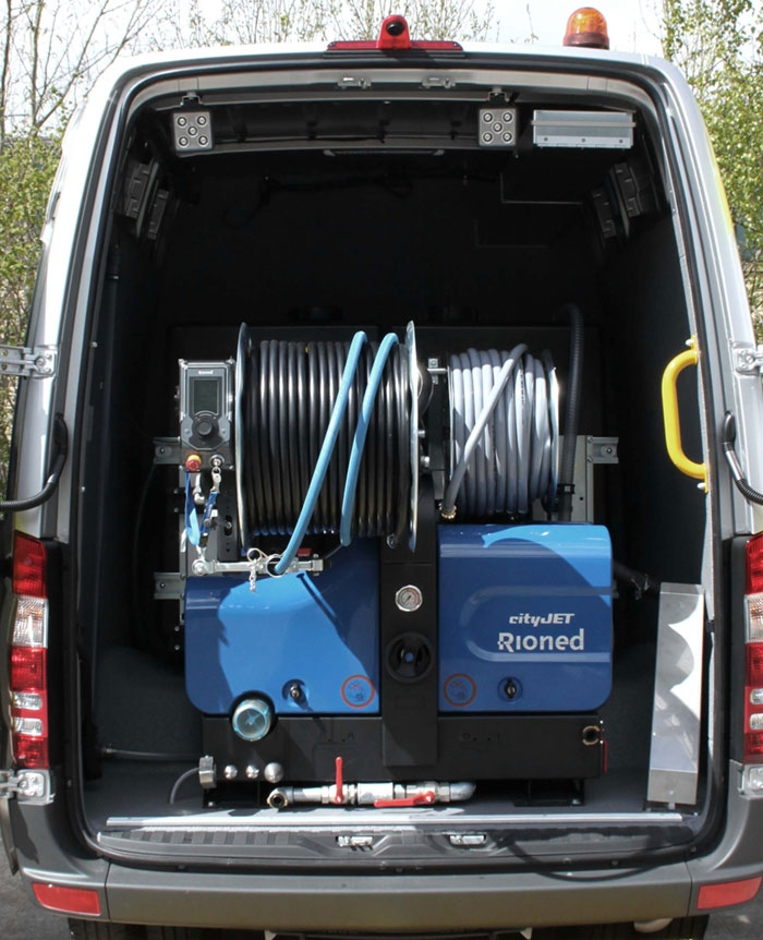 The Rioned CityJet fitted with a pulsator unit is ideal for desilting longer runs