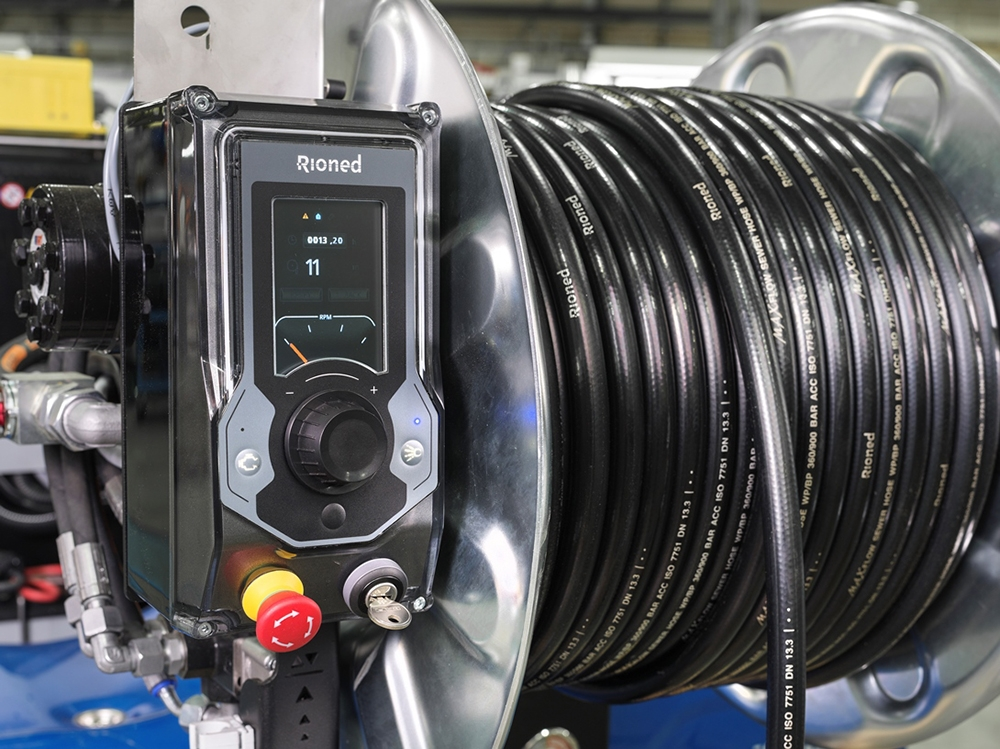 RioMeter: RioMeter installed in the eControl unit offers an accurate readout of how many metres the hose has travelled along the pipe.